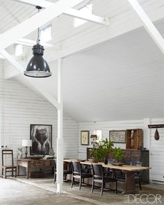 Ellen DeGeneres And Portia de Rossi Show Off Their Gorgeous California Ranch Home In Elle Decor (PHOTOS)