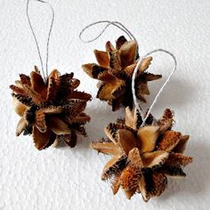 vanocni ozdoby z prirodnich materialu Billedresultat for vanocni ozdoby z prirodnich materialu Natural Christmas, Christmas Art, Simple Christmas, Handmade Christmas, Diy Party Decorations, Christmas Tree Decorations, Xmas Crafts, Diy And Crafts, Nature Crafts