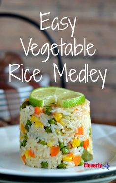 Enjoy this Easy Vegetable Rice Medley anytime of the year. Find out more at CleverlyMe.com #SaboreaTuVerano #ad
