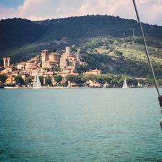 Punti di vista #altrasimeno veleggiando foto di @egyzia