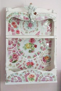 Shabby Wooden Shelf - Mosaic Roses :: Cute Idea