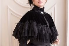 Black Velvet Victorian Cape, Velvet and Lace Gothic Mourning Cape Perfect silk velvet XIX century inspired cape, excellent for cool Sandro, Gothic Lolita, Victorian Gothic Fashion, Gothic Girls, Modern Gothic, Victorian Dresses, Gothic Corset, Victorian Steampunk, Edwardian Clothing
