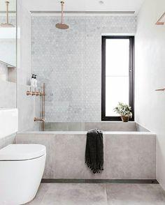 Fatally Narrow // a bath is my dream home