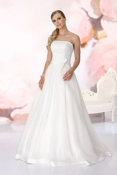 Wedding dress Samira from the Affinity collection