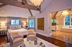 Huge master bedroom...