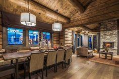 OPPLEV NYE RØROSHYTTA VISNINGSHYTTE!   FINN.no Cabin Homes, Log Homes, Timber Cabin, Rustic Elegance, Hostel, Rustic Decor, Real Estate, Contemporary, Table