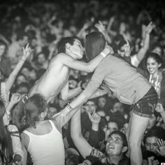 Images:Christmas kiss - concert - crowd - on top of ones shoulders- love.jpg - WikiLove - The Encyclopedia of Love Kiss Concert, Concert Crowd, Rock Concert, Make Love, Love Is All, We Are Young, Young Love, Die Young, Stay Young