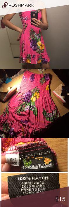 Strapless Hawaiian Dress Stretchy, form fitting one size dress by the Hawaiian company, Aloha Fashion.  Aloha Fashion Dresses Mini