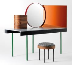 """Punktgenau: Schminktisch """"Chandlo"""" von Barcelona Design via Schoener Wohnen"""