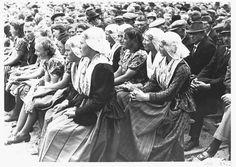 Friese meisjes tegen het Bolsjewisme | Flickr - Photo Sharing!