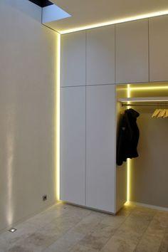 kleiderst nder garderobe oder kleiderstange wardrobes of steel garderoben aus stahl. Black Bedroom Furniture Sets. Home Design Ideas