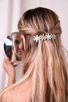 Barrette Girl Barrette Hair Barrette Women by FlowerWorksBySari Cute Hairstyles For Kids, Summer Hairstyles, Pretty Hairstyles, Heart Hairstyles, Hair Barrettes, Hair Clips, Hair Accessories For Women, Accessories Store, Hair Dos