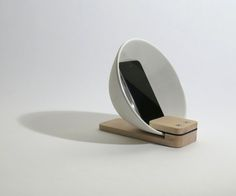 With a simple bowl and spare block of wood, timwikander was able to create this elegant iPhone dock and amplifier. http://ift.tt/1R6FBB5