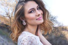 Small pink soutache wedding earrings #portraits #portraiture #photooftheday #model #contemporaryjewelry #statementjewelry #instafashion #jewelryaddict #praveslovenske #vlastnymirukami #soutachemania #soutachedesigner #jewelrylover #madeinslovakia #praveslovenske #etsy