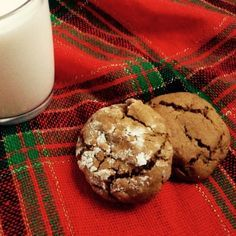 """Claire's Chewy Molasses Cookies (""""A Breath of Snow & Ashes"""" from the Bread & Baking section at the Outlander Kitchen. Shortbread Recipes, Cookie Recipes, Dessert Recipes, Molasses Cookies, Ginger Cookies, Outlander Recipes, Outlander Tv, Steak And Mushroom Pie, Nutella Biscuits"""