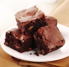 This simple brownie recipe couldn't get any easier! A simple brownie recipe that uses basic ingredients and is easy and quick to fix. These brownies...
