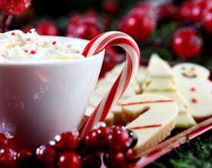 SOUND: http://www.ruspeach.com/en/news/12726/     Сливки - это молочный продукт, получаемый из цельного молока. Сливки и сметана — это верхний слой отстоявшегося молока. Благодаря высокому содержанию жира сливки являются очень питательным продуктом. Они содержат также 3,5 % белков, 4,3 % углеводов, минеральные соли и витамины (A, E, B1, B2, C, PP и др.). Сливки широко применяются в лечебном питании.    Cream is the dairy product received from whole milk. Cream and sour cream