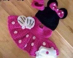 conjunto de crochê,vestido,sapato e touca da minie.
