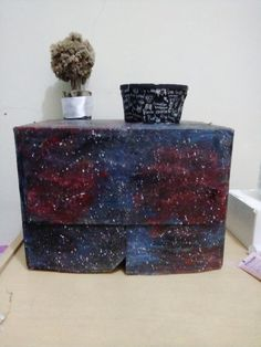 #diygalaxy #roomdecor #galaxy #nebula #cardboardgalaxy #galaxybox #organizergalaxy