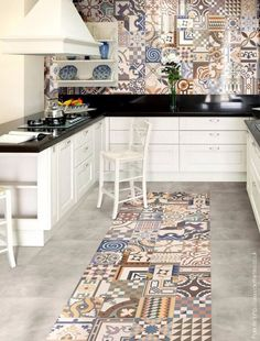 How to decorate the kitchen wall? One of the beneficial we can do is applying kitchen wallpaper. With this article will give some kitchen wallpaper ideas. Kitchen Tiles, Kitchen Flooring, New Kitchen, Kitchen Counters, Stone Kitchen, Kitchen Layout, Kitchen Living, Kitchen Utensils, Living Room