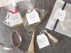 お洒落なデザインだけ厳選♡ミンネで見つけた可愛い「サンキュータグ」のデザイン6選* | marry[マリー] Cookie Packaging, Christmas Gifts, Wraps, Place Card Holders, Personalized Items, Diy, Wedding, Design, Gift Ideas