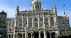 El Museo de la Revolución, hermoso palacio en La Habana - http://www.absolut-cuba.com/el-museo-de-la-revolucion-hermoso-palacio-en-la-habana/