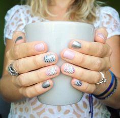 Daydream, Diamond Dust, Gray & Silver Stripe (all c), & Feminine Flair (r) - nails Chic Nails, Love Nails, Fun Nails, Pretty Nails, Shellac Nails, Nail Polish, Girls Nails, Super Nails, Color Street Nails