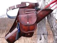 Beautiful leather quiver set-up.