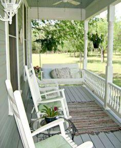 Best farmhouse front porch decorating ideas (22)