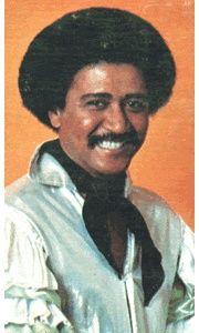 """Justo Betancourt Querol es un cantante cubano famoso para su interpretación del tema """"Pa' bravo yo"""". Nació en Matanzas, pero ha vivido una cantidad significativa de tiempo en Puerto Rico."""