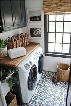 40 Gorgeous Small Laundry Room Design Ideas - Laundry areas, in general, easily end up a place where items are stored, stashed, and procrastinated -- to do later. With small laundry rooms this bec. Rustic Laundry Rooms, Tiny Laundry Rooms, Farmhouse Laundry Room, Laundry Room Design, Laundry In Bathroom, Farmhouse Style, Laundry Area, Laundry Decor, Basement Laundry