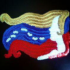 La vida está llena de decisiones... decidimos construir puentes o construir murallas.   #lentejuelas #hechoamano #fashion #bordados #trendy #hechoconamor #yoemprendo #apliques #manualidades #arte #diseñovenezolano #sequin #parches #outfit #mujer #like #moda #follow #hechoenvenezuela #talento #closet #tendencia #arte #hechoencasa #aragua #venezuela   →→→★Ready to Shine★←←←  Apliques para decorar tus prendas de vestir. Diseños personalizados. Contactanos para mayor información.