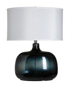 Inter-Royal  Juego de 2 Lámparas de mesa, con pie de cristal soplado y tintado, así como pantalla lisa de forma oval. Precio $4,500.00
