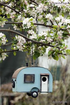 Beautiful Bird House Designs You Will Fall in Love with (28)