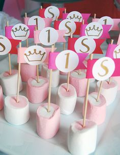 Princess party: Sadie is Princess theme birthday party - pink and white strawberry flavored marshmallows Unicorn Birthday, Baby Birthday, First Birthday Parties, Birthday Party Decorations, First Birthdays, Birthday Party Favors, Princess Theme Birthday, Princess Party, Pink Princess