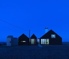 Shingle House by NORD
