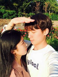 Discover and share the most beautiful images from around the world couples coréens, korean couple Mode Ulzzang, Korean Ulzzang, Ulzzang Girl, Cute Couple Quotes, Cute Couple Pictures, Couple Photos, Siblings Goals, Cute Couples Goals, Sweet Couples