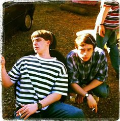 Nico and Adam Look Back In Anger, Dont Look Back, Nico Mirallegro, Bowl Haircuts, Guy Friends, Britpop, Cute Love, Archie, Cool Pictures