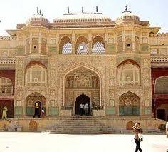 Le Rajasthan est le second État le plus touristique de l'Inde. Découvrez les splendeurs du Rajasthan, ses puissantes forteresses et ses palais de maharajas.