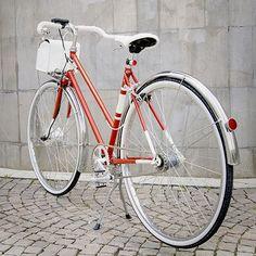 Legend Women's E-Bike by Velorapida | MONOQI #bestofdesign #ebike