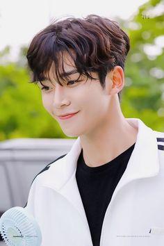 Actors Male, Asian Actors, Korean Actors, Actors & Actresses, Korean Idols, Kim Woo Bin, Fnc Entertainment, Cha Eun Woo, Kdrama Actors