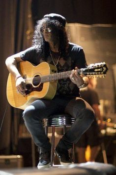 Slash Paradise - Photo, picture and image gallery: Slash live, on stage and in concert with Guns N' Roses, Slash's Snakepit, Velvet Revolver and Myles Kennedy. Guns N Roses, Saul Hudson, Velvet Revolver, Best Guitar Players, Duff Mckagan, Best Guitarist, Tommy Lee, Rock Legends, Blues Rock