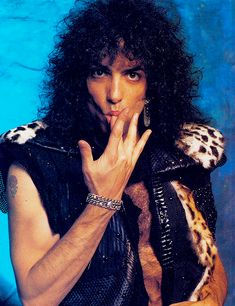 Paul Stanley (born January known professionally by his stage name Paul Stanley, is an American musician, singer, songwriter and painter best known for being the rhythm guitarist and singer of the rock band Kiss. Paul Stanley, Gene Simmons, Kiss Without Makeup, Kiss Members, Hair Metal Bands, Kiss Me Love, Kiss Images, Vinnie Vincent, Eric Carr