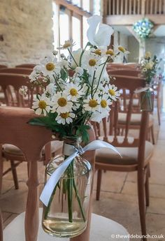 Simple summer aisle flowers at Kingscote Barn with daisy's and white sweet peas. The Wilde Bunch bringing the beauty of summer garden flowers into the Barn Barn Wedding Flowers, Aisle Flowers, Kingscote Barn, Flower Decorations, Table Decorations, White Gardens, Summer Garden, Got Married, Daisy