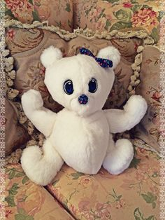 DIY Cute Teddy Bear (Pattern: https://s-media-cache-ak0.pinimg.com/236x/60/e2/a0/60e2a02aee58ef2721baa2d06f4fd1f8.jpg)