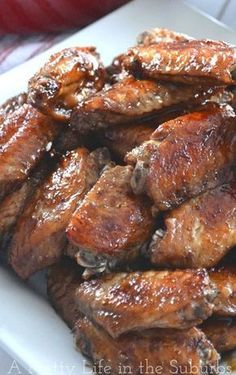 Honey Garlic Chicken Wings - A Pretty Life In The Suburbs Honey Garlic Chicken Wings, Cooking Chicken Wings, Baked Chicken Wings, Chicken Wing Recipes, Chicken Wing Marinade, Chicken Breasts, Frango Chicken, Brunch, Appetizer Recipes