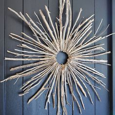 >>>Cheap Sale OFF! >>>Visit>> Over 35 great twig craft ideas. Twig branch art and crafts for kids and adults. Crafts made from twigs include wreaths garlands stars coat rack reindeer Twig Crafts, Nature Crafts, Crafts To Make, Arts And Crafts, Wreath Crafts, Decor Crafts, Easy Crafts, Tree Branch Crafts, Tree Branch Decor