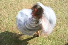 Foto feita com obturador em 1/8. O vestido deixa um rastro (Foto: Luiza Junqueira)