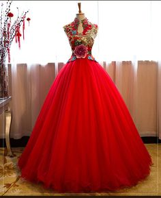 Chinese style Transparent Red Prom Dresses 2019 A-Line / Princess High Neck Beading Sequins Crystal Lace Appliques Sleeveless Floor-Length / Long Formal Dresses African Fashion Dresses, African Dress, African Traditional Wedding Dress, African Wedding Attire, Red Ball Gowns, Long Evening Gowns, Embroidery Dress, Beautiful Dresses, Marie
