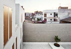 Graphic Concrete Social Housing in Sa Pobla / RIPOLLTIZON